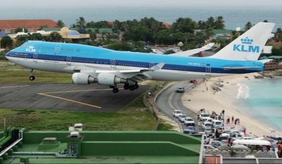 Аэропорт Принцессы Джулианы, Нидерланды