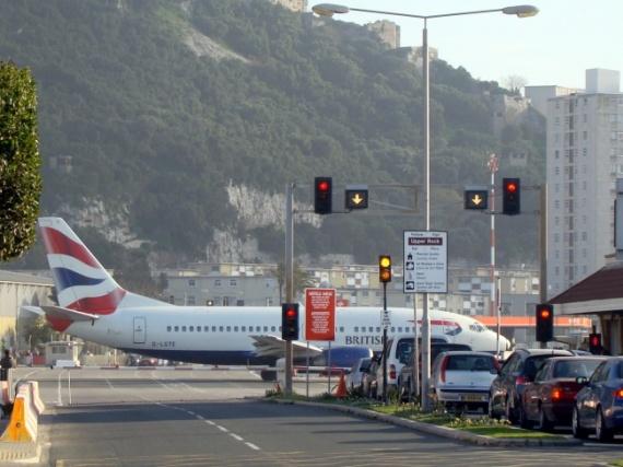 Аэропорт Гибралтара, Гибралтар